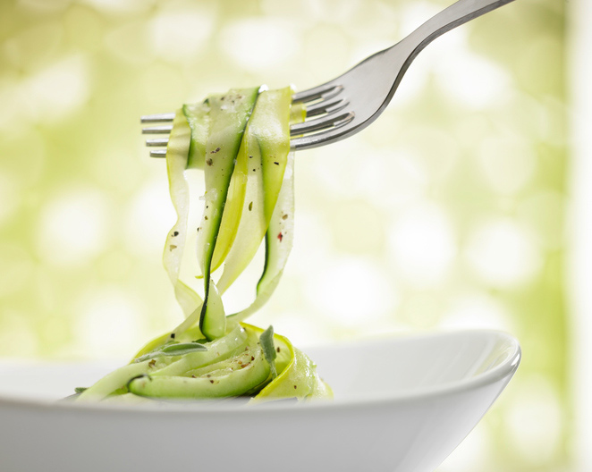 zucchini noodles on fork